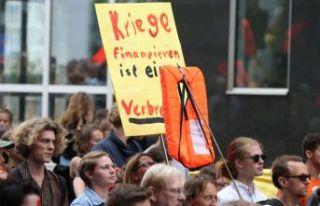 Almanya'da 'sığınmacı' yürüyüşü