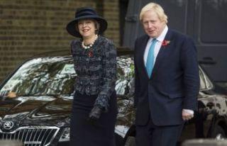 Boris Johnson'a 'Theresa May' kazığı
