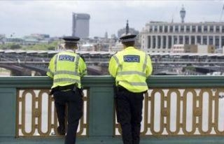 İngiliz polisi ile basın arasında kriz!