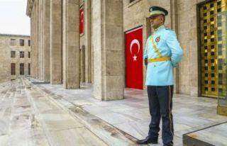 Kuvvet komutanları o kapıdan içeri alınmayacak