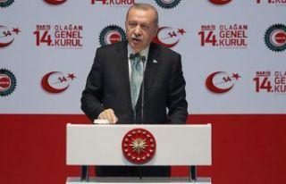 Erdoğan: Talimatlara uymadı, değiştirdik