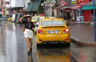 İstanbul, yağmura hazırlıksız yakalandı