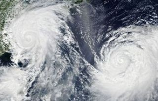 Japonya'ya tropikal fırtına uyarısı