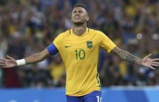 Neymar geri döndü!