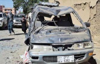 Sivil araç geçerken patladı: 9 ölü