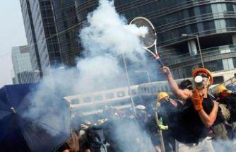 Hong Kong'da sokaklar savaş alanı!