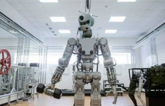 Uzaya insansı robot gönderildi