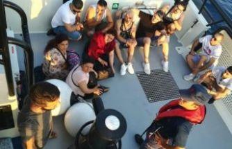 Yasa dışı göçmenler turist kılığına girdi!