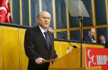 """""""HDP ile kucak kucağa, FETÖ ile arkalı önlü"""""""