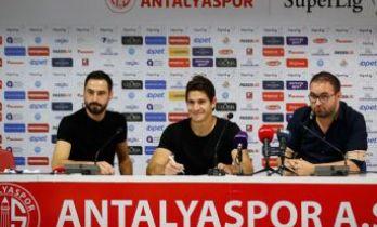 Leschuk, Antalyaspor'la imzayı attı