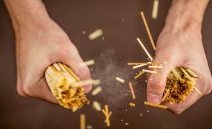 Spagetti neden ikiye bölünemiyor?