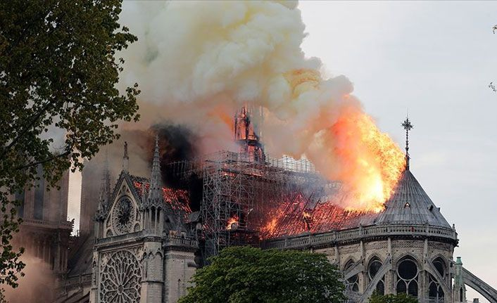 Notre Dame daha önce de zarar görmüştü!
