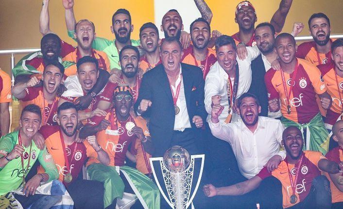 Galatasaray'da kupa sevinci!