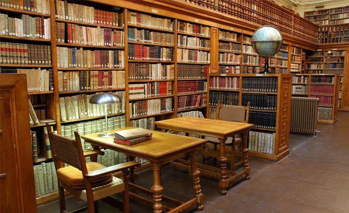 Kütüphane sayısı düşüyor