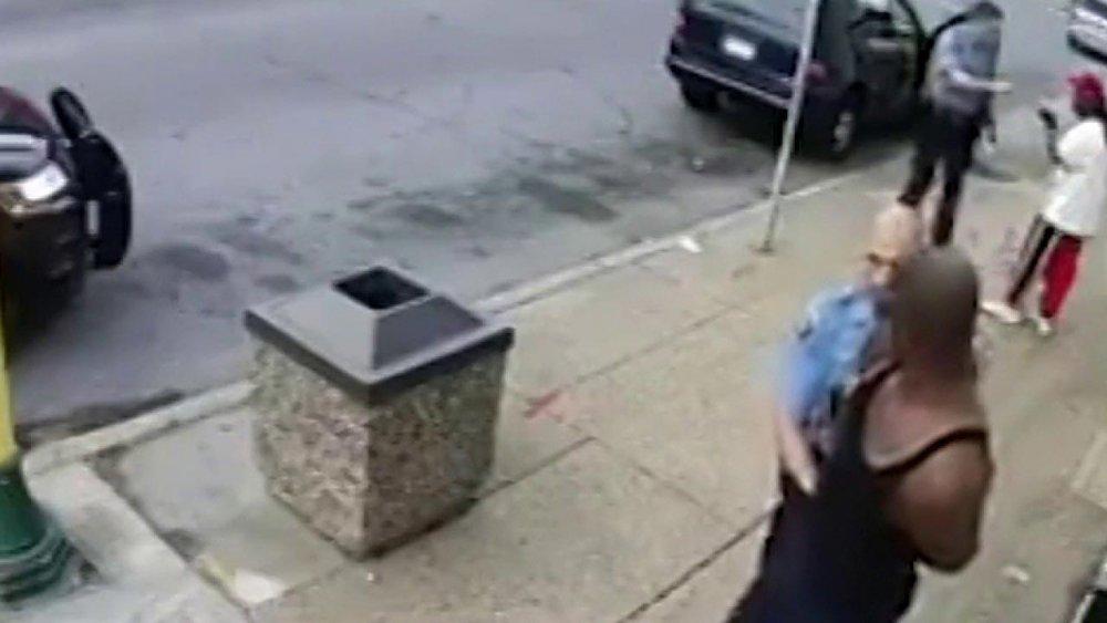 abd polisin öldürdüğü siyahi george floyd
