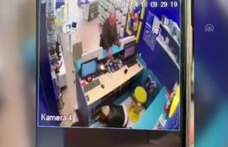 Sakarya'da silahlı saldırgan dehşeti!